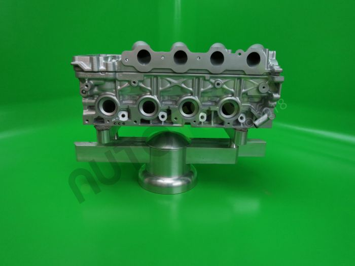 Land Rover 2.2  Reconditioned Cylinder Head