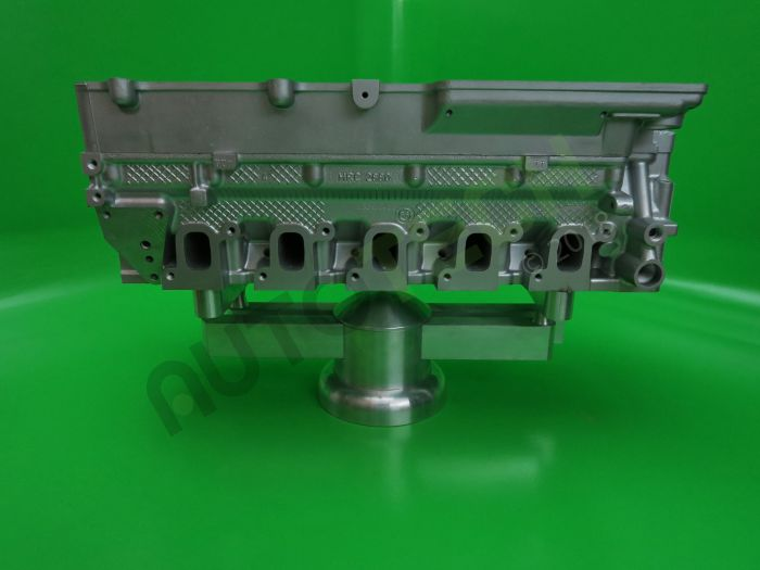 Land Rover Defender TD5 10P Reconditioned Cylinder Head