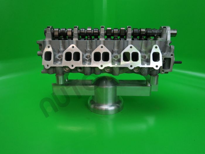 Ford new 2.5 Complete 12 valve Cylinder Head